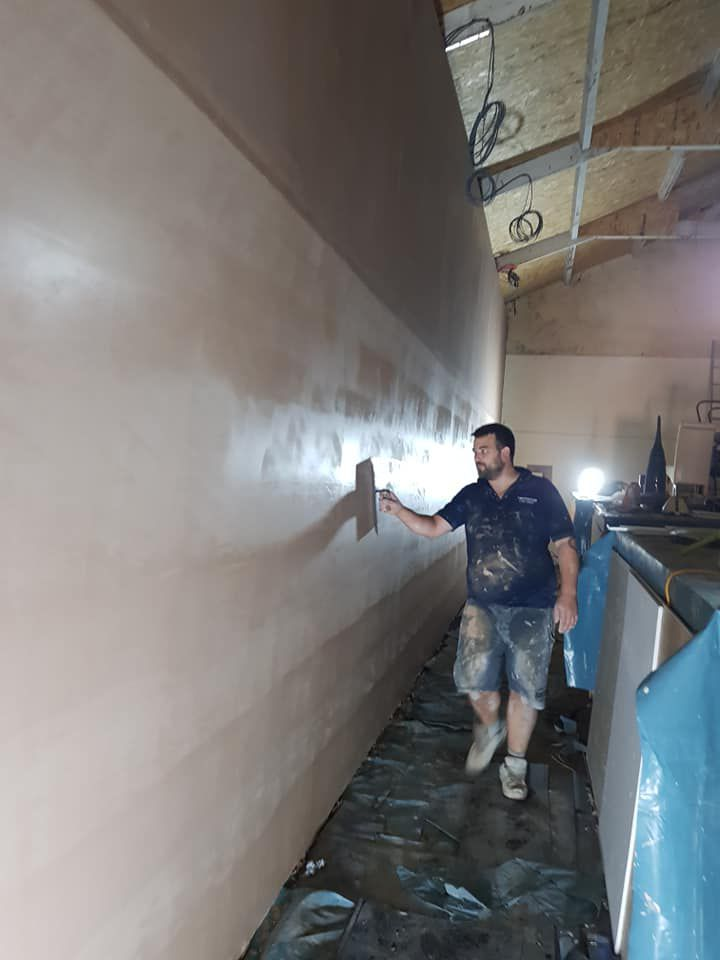 Large scale plastering project